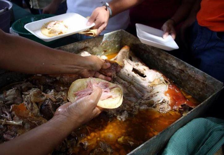 La dieta del yucateco, la cual está basada en grasas, afecta considerablemente el colon. (SIPSE)
