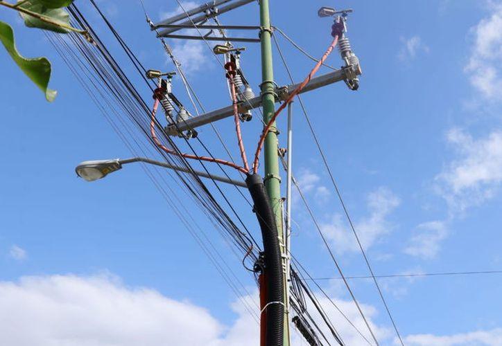 Al crecer las comunidades, se requiere la ampliación y re-calibración de las redes eléctricas.  (Foto: Jorge Acosta/ Milenio Novedades)