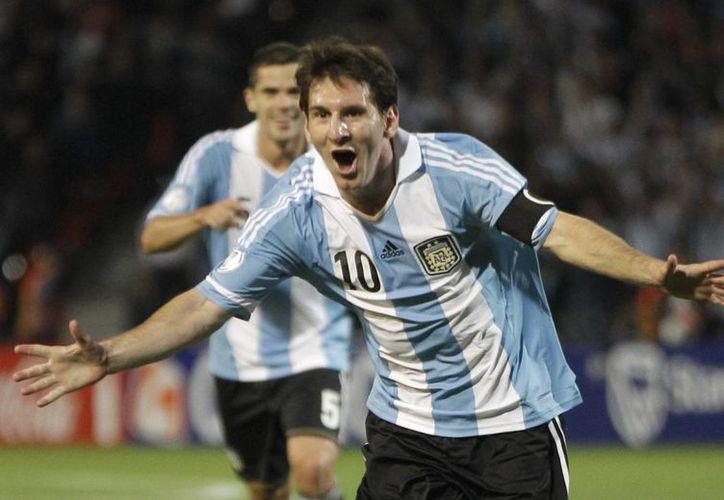 Lionel Messi lidera el ranking de los jugadores con mejores ingresos en el mundo. (Agencias)