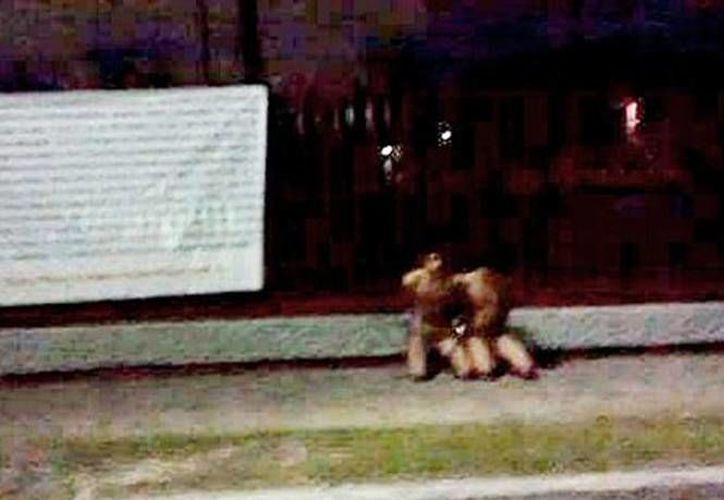 Este fin de semana fueron encadenados a la salida de la UVM en Tampico dos hermanos junto a una manta que los acusaba de cometer actos de delincuencia como robo y secuestro. El  mensaje firmando por el Cártel del Golfo lanzaba una advertencia a los padres de familia de Tamaulipas. (Excelsior)