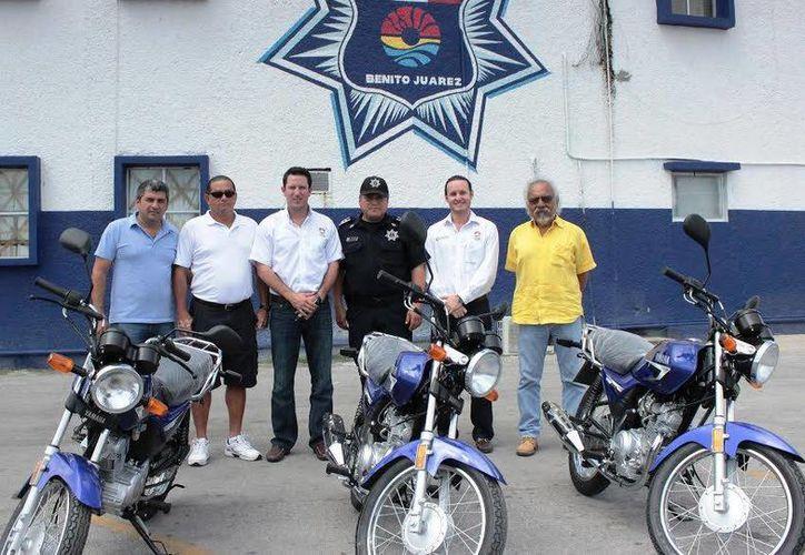 Las unidades fueron recibidas por el director de la Policía Preventiva. (Redacción/SIPSE)