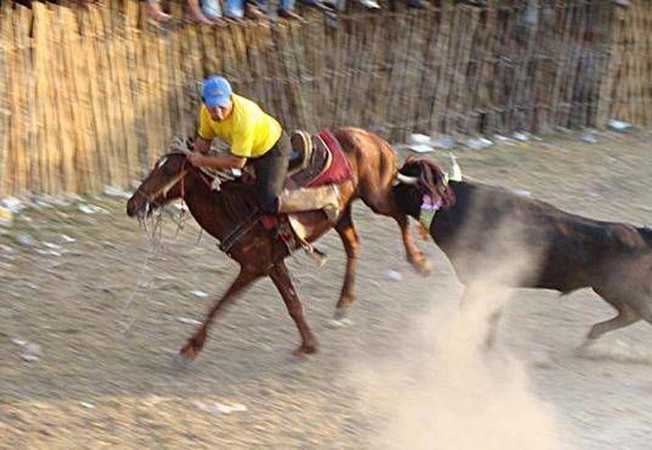 Imagen de un torneo de lazo en Yucatán. (Facebook)