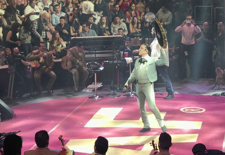 Este fin de semana Alejandro Fernández deleitó a sus fans en Aguascalientes. (BiNoticias)