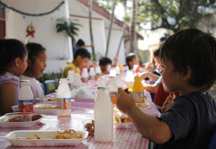 Desde el jueves se realizaron los festejos aquí en la escuela, se fueron muy contentos, se hicieron seis convivios. (Yajahira Valtierra/SIPSE)