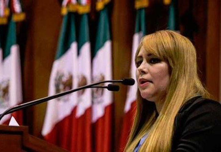 Lucero Guadalupe Sánchez  es señalada como presunta pareja sentimental de Joaquín Guzmán Loera. (twitter.com/AntenaSanLuis)