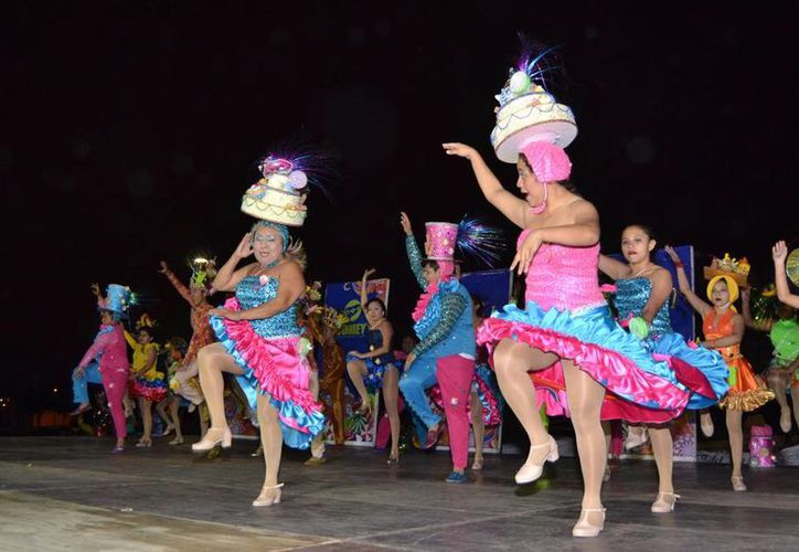 Este viernes se realizó la coronación de reyes del Carnaval del Paseo Verde, en Mérida, Yucatán. (Foto cortesía del Gobierno de Yucatán)