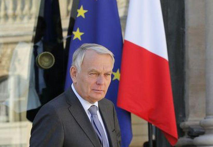 El primer ministro, Jean-Marc Ayrault, reunió a los ministerios franceses para establecer medidas concretas en favor de la mujer. (Agencias)