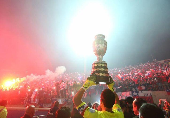 Más polémica que futbol, así sera recordada esta Copa América por muchos aficionados, se termina por fin el torneo continental. (AP)