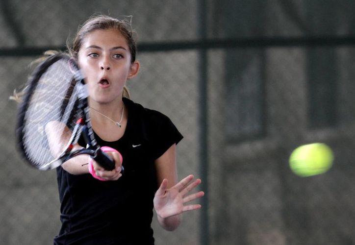 Alrededor de 200 tenistas infantiles participaron en el Circuito de Tenis 10. (Francisco Gálvez/SIPSE)