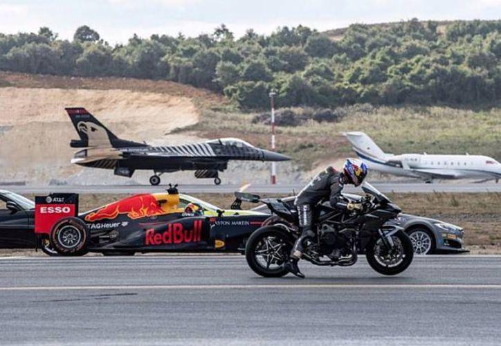 La competencia midió la velocidad de estas máquinas durante una carrera de 400 metros. (Internet)