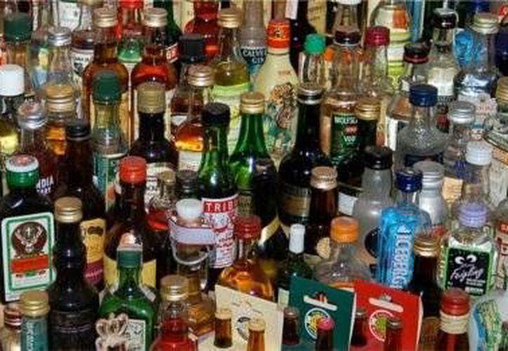 Las botellas no contenían las medidas sanitarias necesarias para ser comercializadas. (Contexto/Internet)