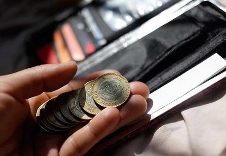 Planificar tus compras y comparar precios puede hacer un gran cambio para enfrentar la 'cuesta de enero'.  (Internet)