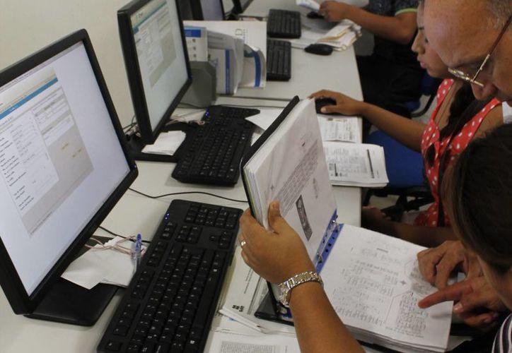 Los asalariados sólo deberán agregar deducciones personales. (Israel Leal/SIPSE)