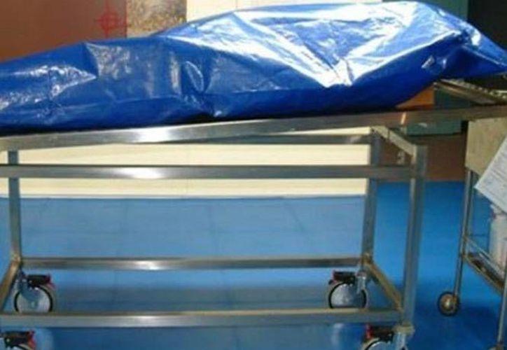 El cuerpo del paciente brasileño, quien ingresó al hospital por una insuficiencia respiratoria, estaba listo para ser inhumado. (Excélsior)