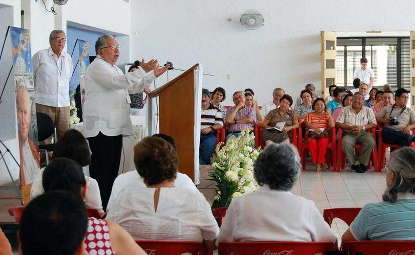 """Mons. Joaquín Vázquez Ávila en el foro  """"Fe, razón y vida, Cristo maestro, filósofo y pastor ¡síguelo!"""" (Milenio Novedades)"""