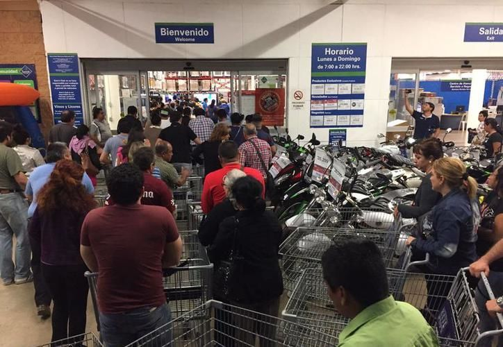 La buena racha de compras empezó con el Buen Fin. (Foto: SIPSE)