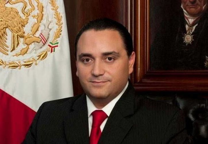 El gobernador, Roberto Borge Angulo, garantiza en el mensaje que la escuela pública no se privatizará. (Redacción/SIPSE)
