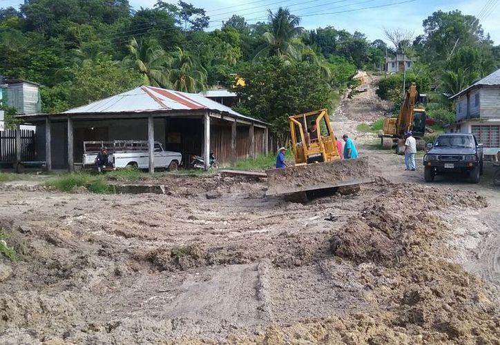 Las lluvias registradas y el abandono de más de 30 años provocaron que las arterias estén en pésimas condiciones. (Carlos Castillo/SIPSE)