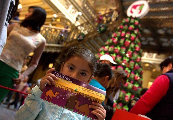 Muchos niños no solo esperan con ansias a Santa Claus, sino también a los Reyes Magos, por lo que la policía del DF ya puso en marcha un operativo especial. (Foto de contexto de Notimex)