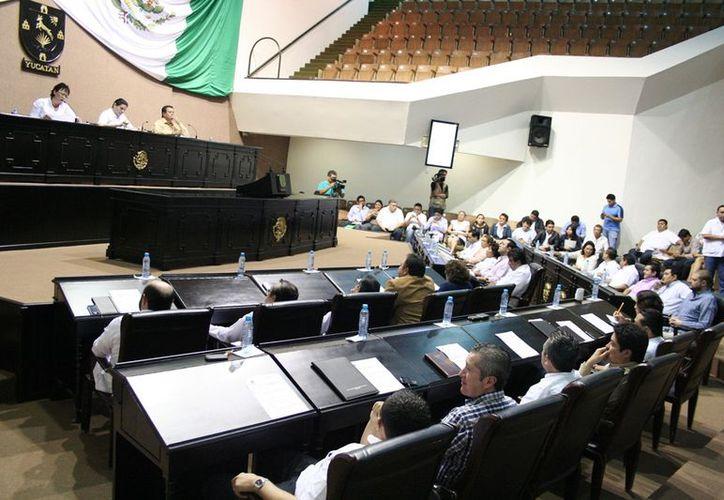 El Congreso de Yucatán ya recibió la iniciativa para los matrimonios de personas del mismo sexo. (Archivo)