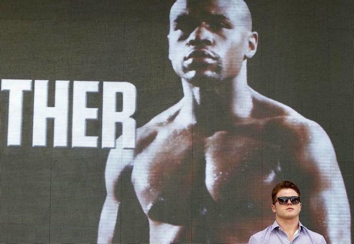 Saúl 'Canelo' Alvarez se enfrentará a Floyd Mayweather Jr. el próximo 14 de septiembre en Las Vegas. (Notimex)