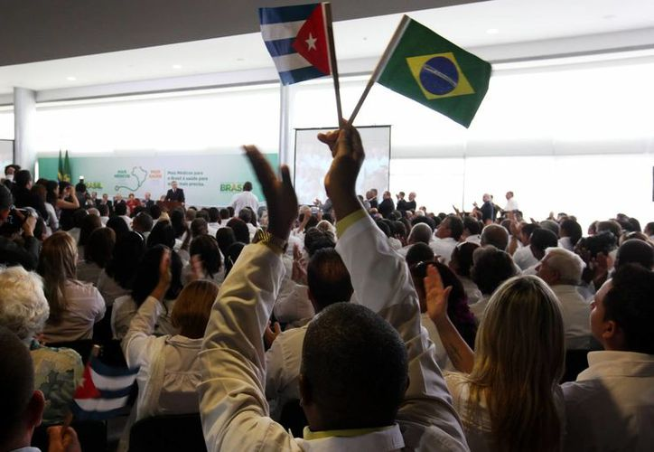 El objetivo del programa del Gobierno de Brasil es contratar un total de 12,996 médicos hasta marzo de 2014. (EFE)