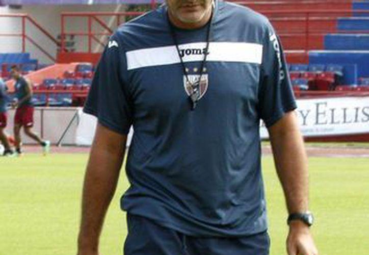 El técnico lamenta que el equipo Atlante haya descendido a la segunda división. (Francisco Gálvez/SIPSE)