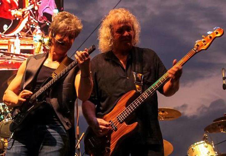 La banda de rock clásico se presentó hace unos meses en diferentes ciudades de México. En la foto, la banda durante una presentación musical.(Foto tomada de Kansas band)