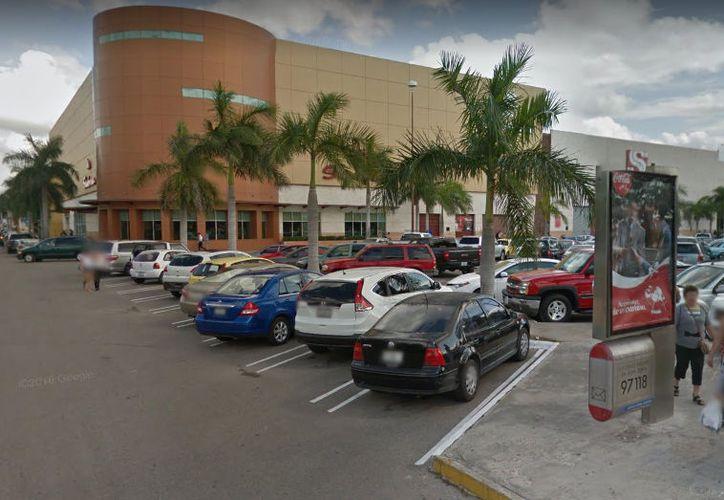 La última vez que se vio a Saomel se encontraba en el estacionamiento de la Gran Plaza. (Google Maps)
