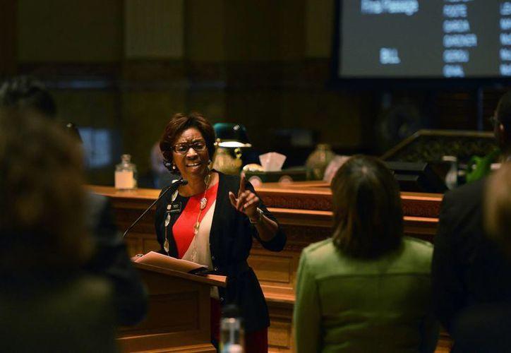 """""""Ya basta. Estoy harta del derramamiento de sangre"""", declaró la legisladora Rhonda Fields. (Agencias)"""