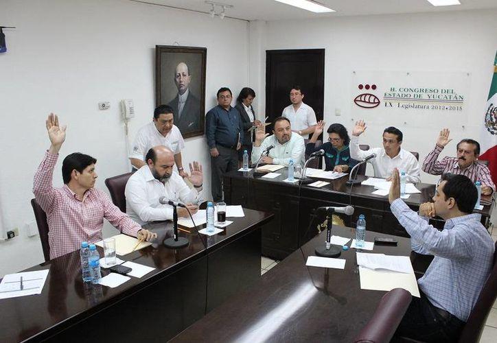 Diputados aprueban uno de los dictámenes sometidos este martes a consideración de comisiones legislativas. (SIPSE)