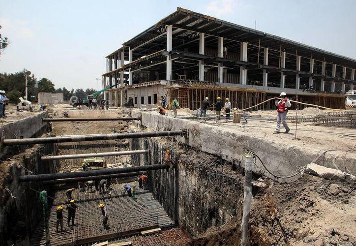 Vista general de los trabajos de remodelación del Autodromo Hermanos Rodriguez en Ciudad de México con vistas al Gran Premio de México dentro de la Fórmula Uno. (EFE)