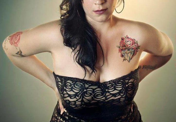 Con 27 años, Carla Morrison, ha puesto de pie al público que ha abarrotado sus conciertos. (facebook.com/CARLAMORRISONOFICIALMX)