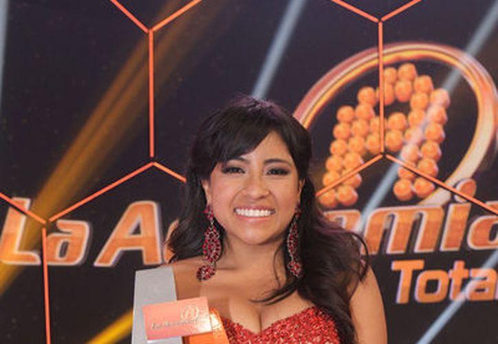 La cantante aseguró que invertirá el dinero ganado en crear un estudio para poder grabar sus temas. (Joselyn Díaz/SIPSE)