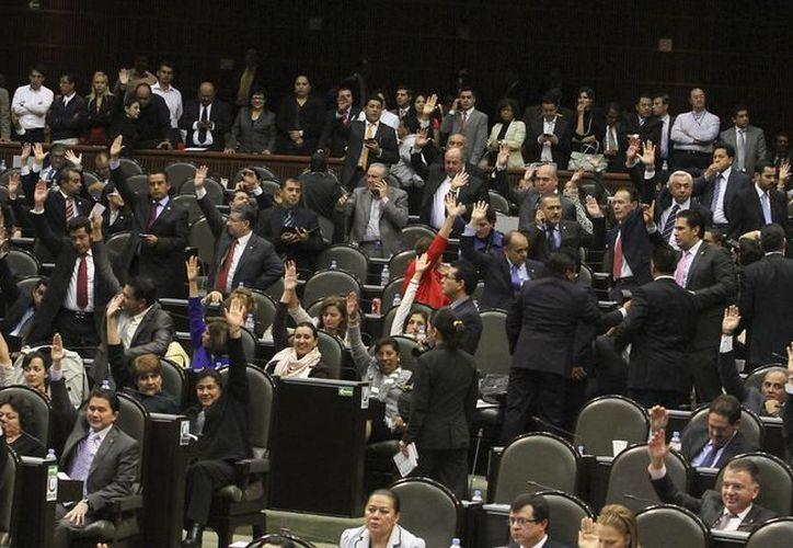 Las reformas fueron avaladas con 389 votos a favor. (Archivo/Notimex)