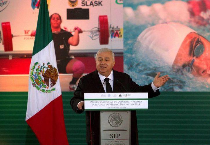 Emilio Chuayffet Chemor, anunció que se analiza la posibilidad de hacer una reingeniería total de la SEP. (Archivo/Notimex)