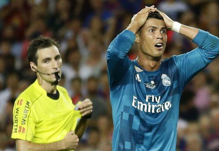 El delantero del Madrid sabe que se equivocó con el empujón a De Burgos Bengoetxea. (Foto: Contexto/Internet)