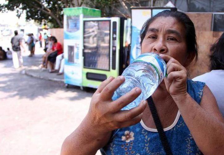 Ayer en Mérida, la temperatura máxima fue de 36.3 grados Celsius a las tres de la tarde, y la mínima, de 20.6 grados. (SIPSE)