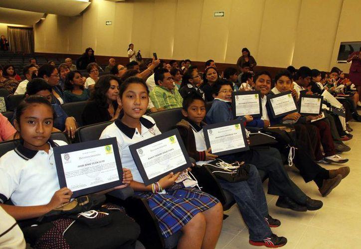 Niños yucatecos, en los primeros lugares nacionales de Matemáticas. (Juan Albornoz/SIPSE)