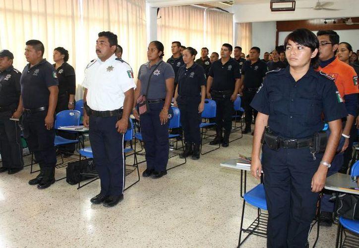 Cada semana en la academia policíaca inician cursos de capacitación para policías preventivos. (Cortesía/SIPSE)