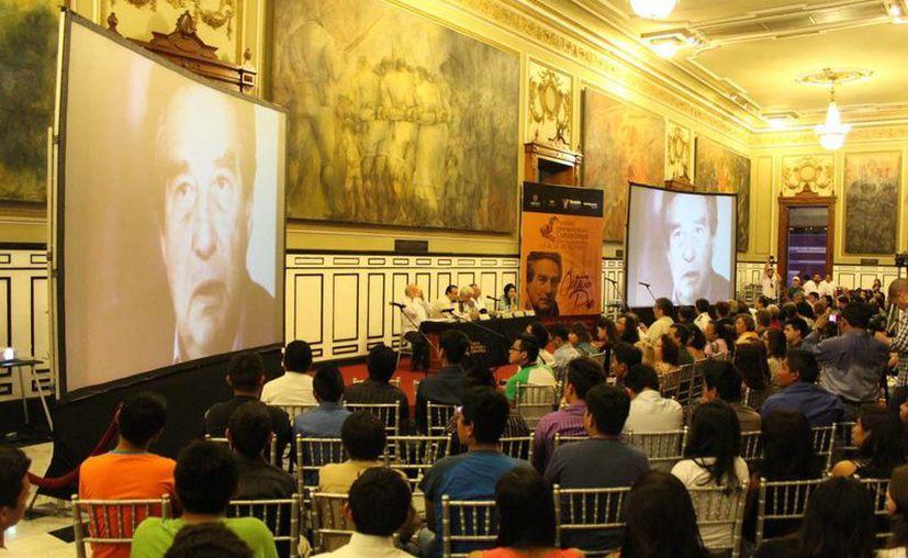Rinden homenaje al escritor Octavio Paz a 100 años de su natalicio, en el Salón de Historia del Palacio de Gobierno. (Milenio Novedades)