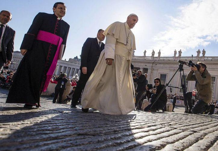 Las nuevas instrucciones sobre la cremación de los difuntos están fechadas el 15 de agosto y dicen que el Papa Francisco las aprobó el 18 de marzo. (Archivo/EFE)