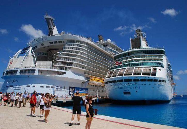 Las nuevas rutas de cruceros también planean incentivar el turismo que tiene interés de conocer Cuba. (Redacción/SIPSE)