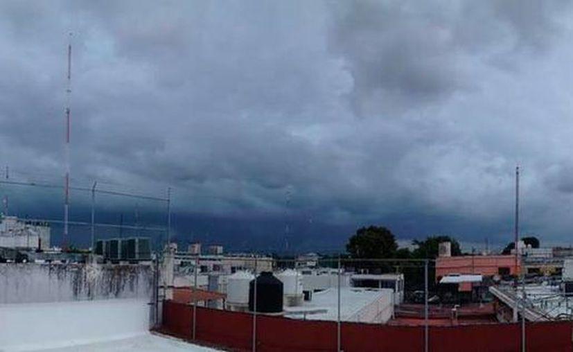 La circulación de bandas nubosas de la tormenta tropical 'Earl' causarán lluvias intensas en zonas de la Península de Yucatán. (Christian Coquet/SIPSE)