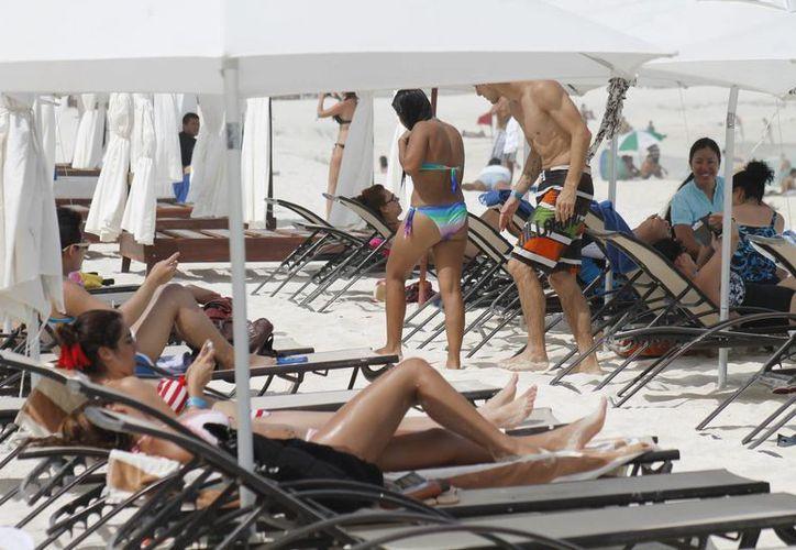 Continúa el arribo de  summerbreakers en este destino de playas. (Israel Leal/SIPSE)