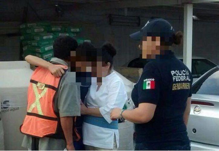El joven fue hallado en una plaza de Cancún; la Gendarmería lo reunió con sus padres. (Redacción/SIPSE)