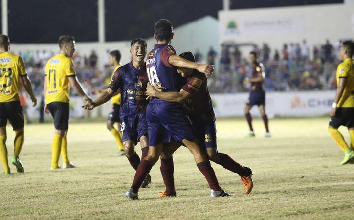 El partido amistoso fue en el estadio José López Portillo de la capital del estado. (Miguel Maldonado/SIPSE)