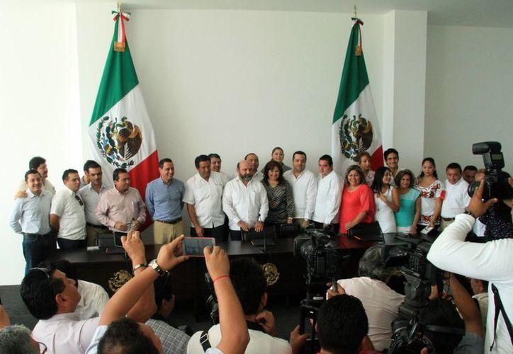 Los diputados que entrarán en funciones en Yucatán tendrán la posibilidad legal de reelegirse en 2018 para otro periodo igual de tres años. (SIPSE)