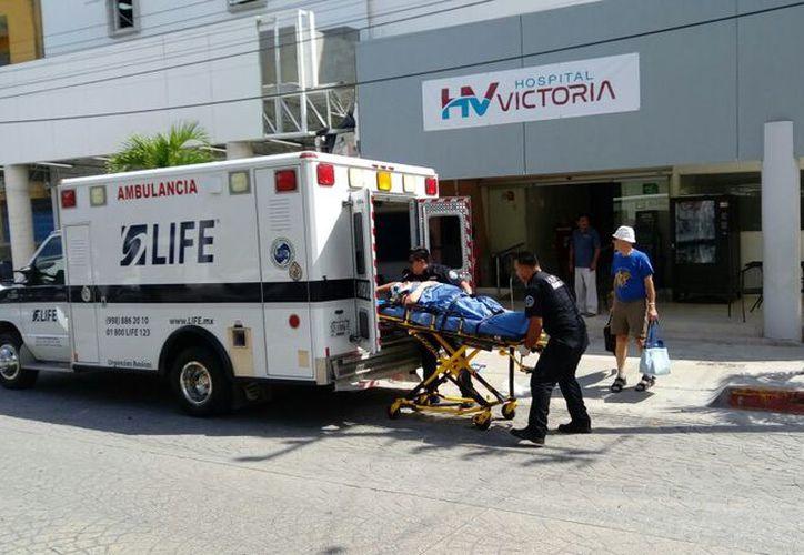 De los 18 pasajeros del autobús 11 resultaron lesionados. (Foto: Eric Galindo/SIPSE).