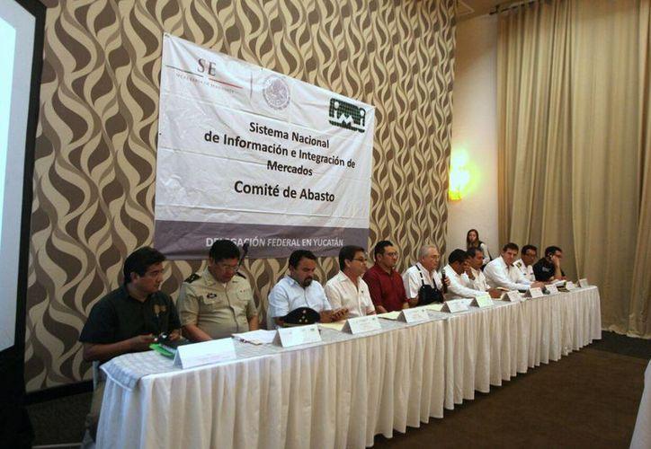 El Comité de Abasto Privado entraría en funciones si el Estado es afectado por un ciclón tropical o huracán. (Amílcar Hernández/Milenio Novedades)